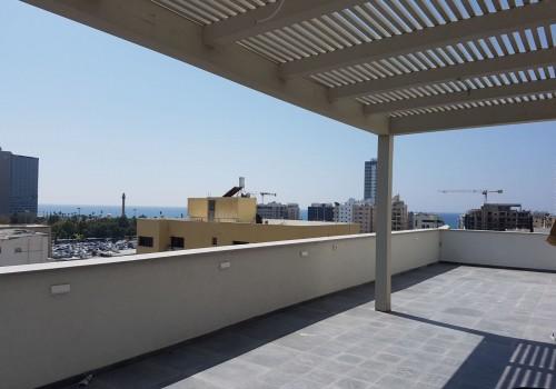 בבניין שסיים תמא שופץ וחוזק מן היסוד, פנטהאוס במפלס אחד עם נוף לים!