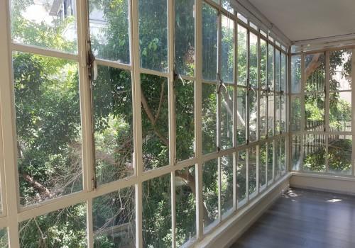 בבניין מסודר עם מעלית במיקום שקט דירת 75מ״ר מוקפת עצים!