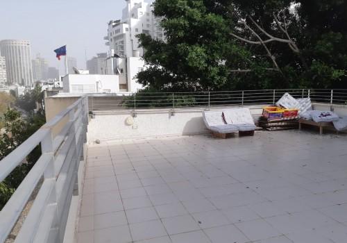 ברחוב סוטין המבוקש! דירת גג עם מעלית וחנייה!