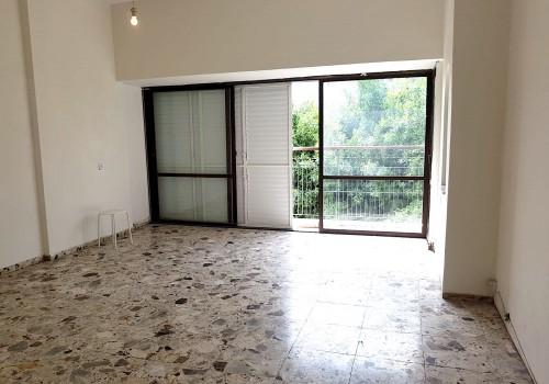 להשכרה ברח דיזינגוף בבניין משופץ מול היכל התרבות! 2 חד׳ ענקיים 80 מ״ר בקומה ב׳ עם מעלית!