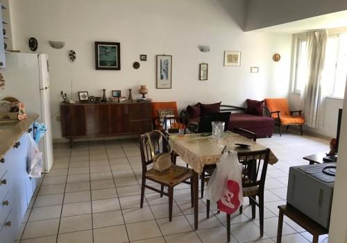 ברח׳ אלנבי! דירה עורפית ושקטה כ50 מ״ר בנוי , מושלמת להשקעה!