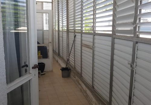 ברח׳ צ׳לנוב המתפתח! דירת 90 מ״ר לשיפוץ בקומה א׳ יחידה בקומה בבנין קטן מועט דיירים!