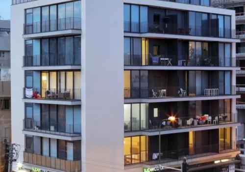 במרכז העיר מרחק נגיעה מהים! 79מ״ר + 7מ״ר מרפסת שמש בקומה חמישית עם מעלית וחניה בטאבו! *נמכר*