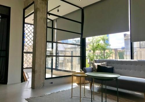 במרכז העיר במיקום שקט ואיכותי! 92 מ״ר 4 חד׳ בקומה רביעית עם מעלית, משופצת אדריכלית!