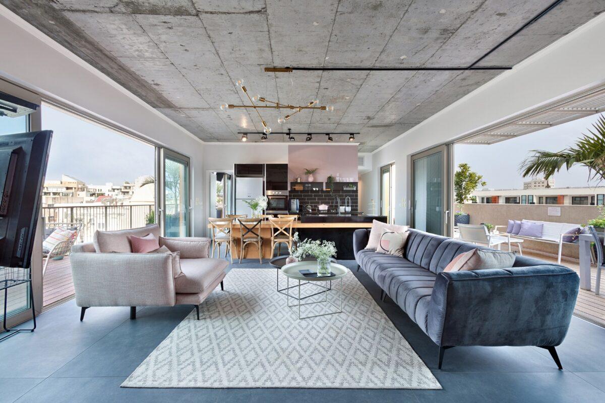 בצפון יפו במיקום מבוקש! פנטהאוס מעוצב של 110 מ״ר + 73 מ״ר גג במפלס! עם מעלית וחנייה בטאבו!