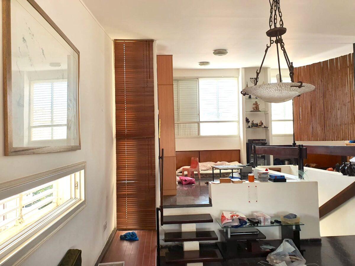 ברחוב סירקין! דירת גג יוצאת דופן! כ133 מ״ר בנוי פלוס כ80 מ״ר גגות!