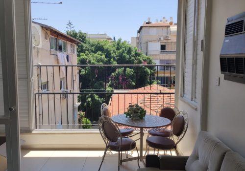 במדרחוב מבוקש בלב העיר, דירת 3 חד׳ מרווחת עם מעלית וחניה בטאבו!