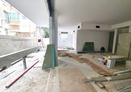 ברח׳ א.ד.גורדון היוקרתי, בבניין חדש! דירת גן יחידה בקומה, 148מ״ר בנוי + 16מ״ר מרפסת + 80מ״ר חצר בשימוש בלעדי, עם חניה בטאבו!